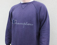 Load image into Gallery viewer, Vintage Champion Sweatshirt Size Men's S/M