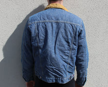 Load image into Gallery viewer, Vintage Tommy Hilfiger Denim Jacket Size Men's Small