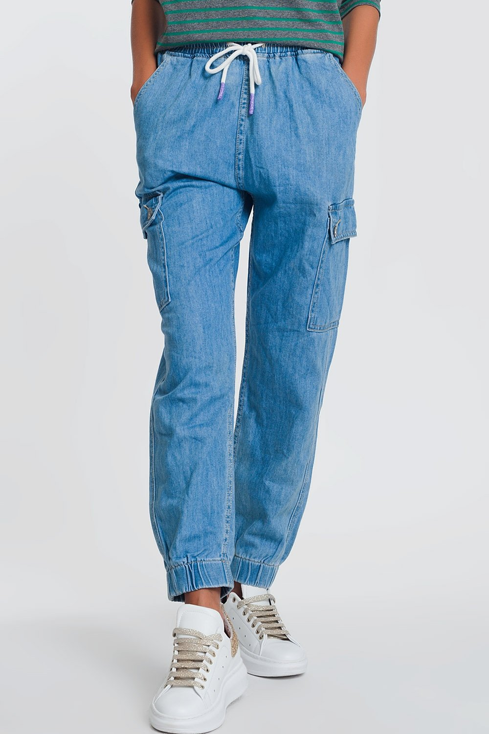 Lightweight Denim Jogger With Pockets in Light Denim