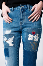 Load image into Gallery viewer, Mom Jeans With Cloth and Embroidered Floral Patches