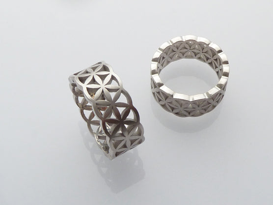 Flower of life with wedding bands | Argollas con la Flor de la Vida