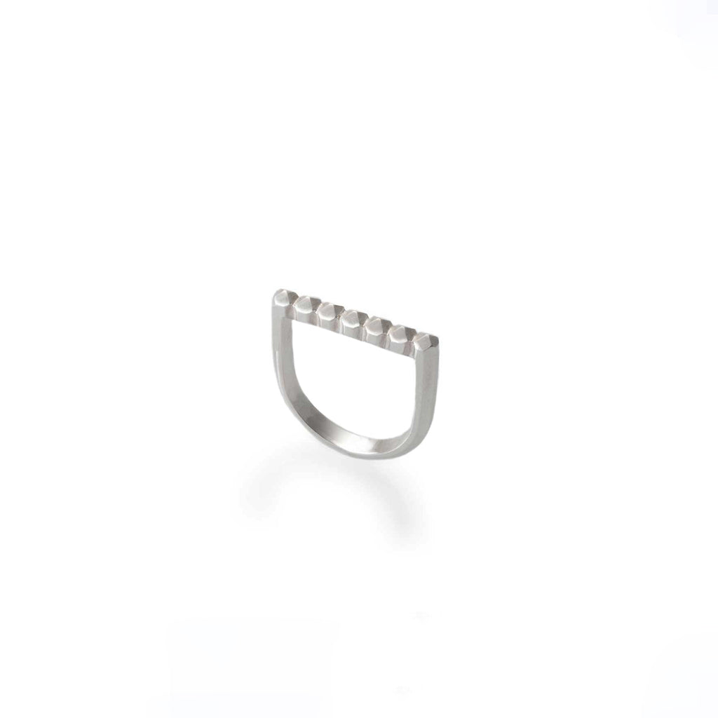SIMPLE STUDS RING | ANILLO TACHES SIMPLE