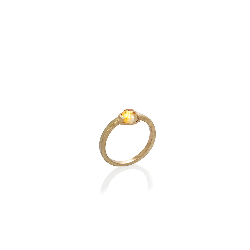 TEXTURED RING WITH ROSE CUT GOLDEN CITRINE | ANILLO TEXTURADO CON CITRINO TALLA ROSA