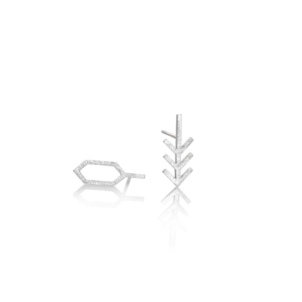 ARROW AND HEXAGON EARRINGS | ARETES FLECHA Y HEXAGONO