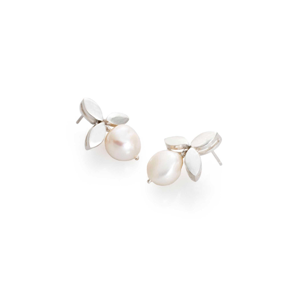 LEAVES AND PEARLS EARRINGS WHITE | ARETES PERLAS Y HOJAS BLANCO