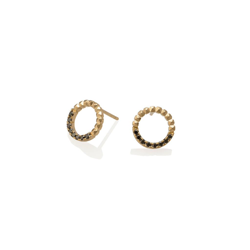 CIRCLE STUDS AND BALCK DIAMONDS EARRINGS | ARETES CIRCULO TACHES Y DIAMANTES NEGROS