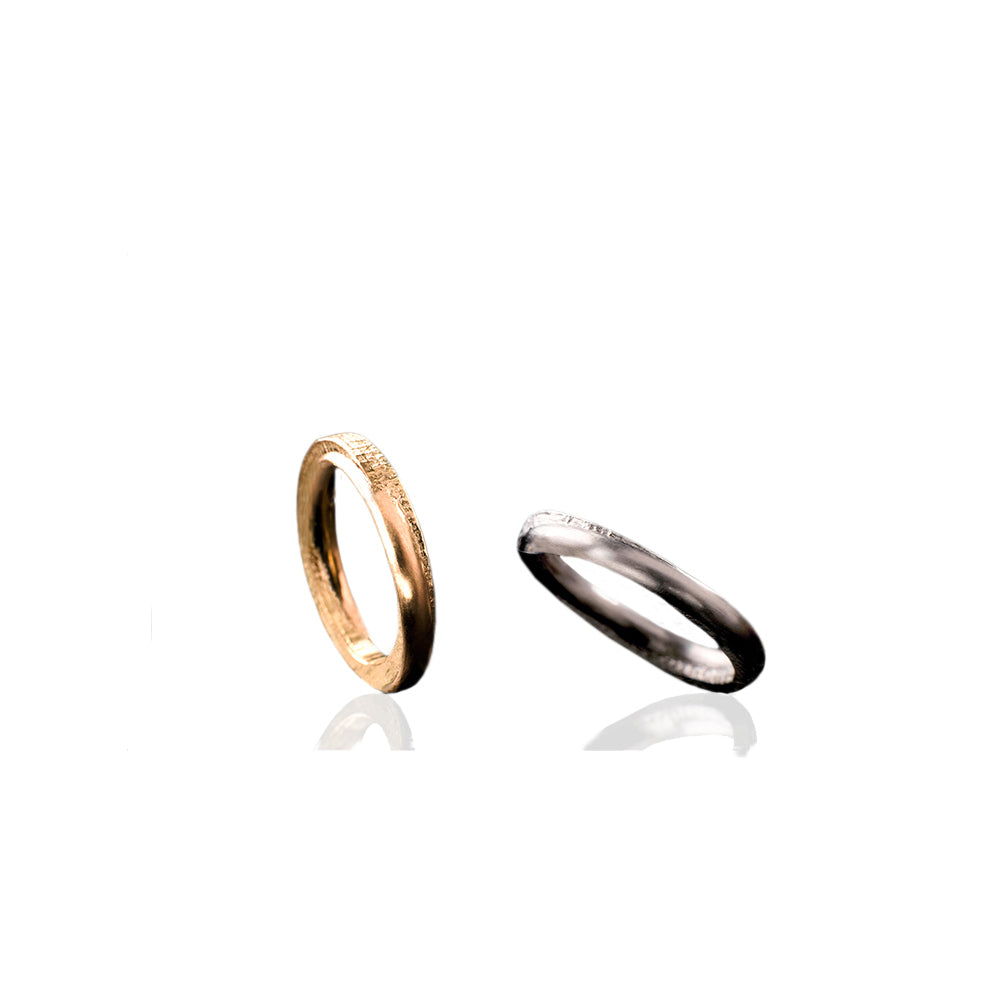 YELLOW AND WHITE GOLD MOLTEN BANDS COUPLE | ARGOLLAS FUNDIDAS DE ORO AMARILLO Y BLANCO PAREJA