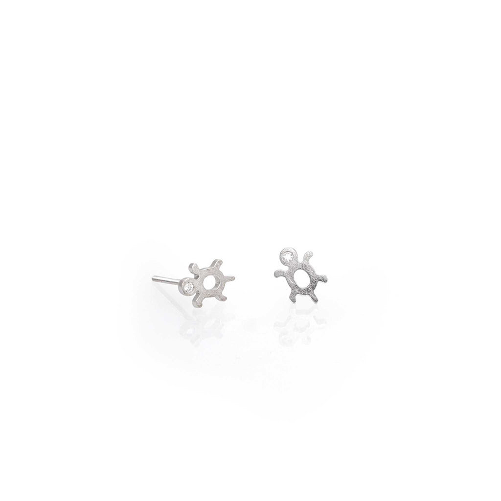 TURTLE EARRINGS WITH DIAMOND WH | TORTUGAS ORO BLANCO Y DIAMANTE OB