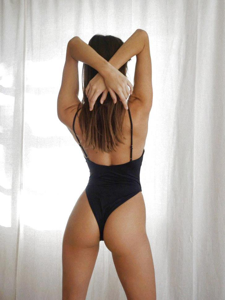 Back view Florence one piece on model