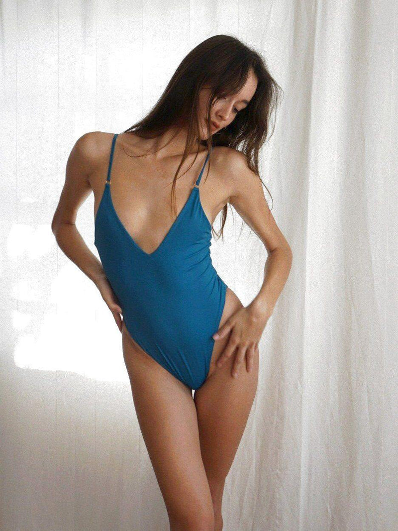 Model in Florence sapphire one piece