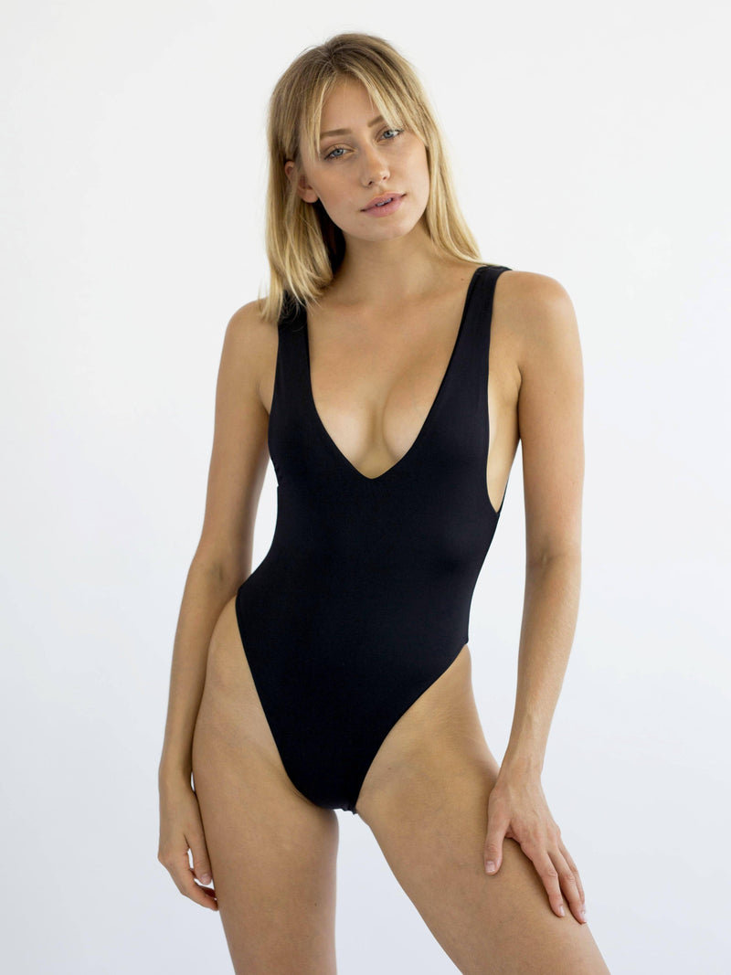 SPECTRUM ONE PIECE | BLACK ONE PIECE