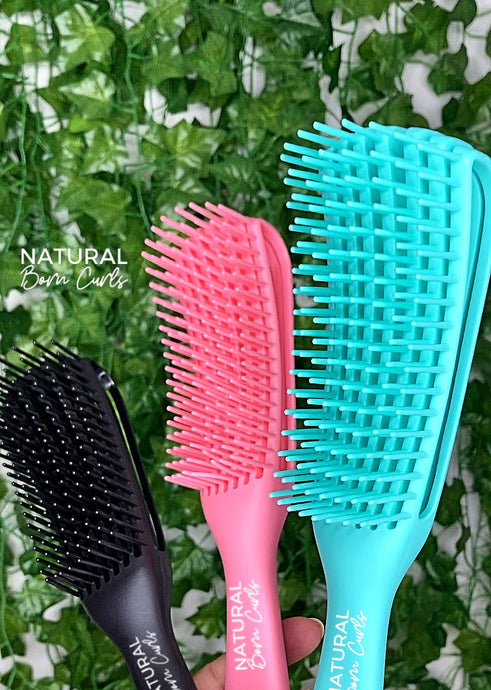 Natural Born Curls Brush : The Ultimate Curl Detangling Brush