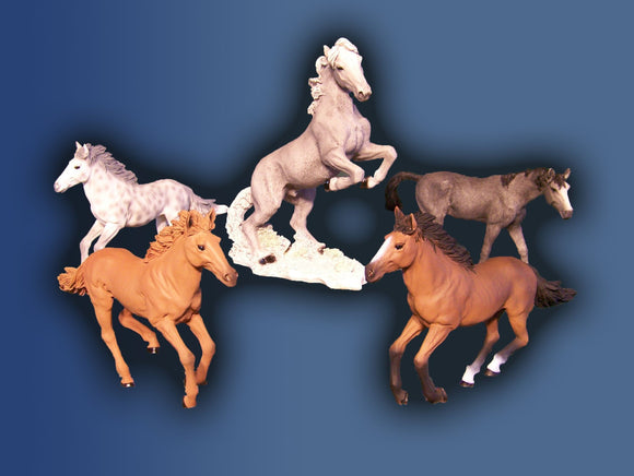 Horse Figurines (NO URN)