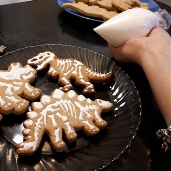 Delidge 3pcs/set Dinosaur Shaped Cookie Cutter Mold 3D Biscuit Fondant Dessert Baking Mould Fondant Cake Decorating Tools