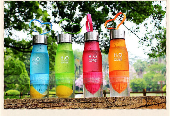 2019 Xmas Gift 700ml Water Bottle H2O plastic Fruit infusion bottle Infuser Drink Outdoor Sports Juice lemon Portable Water