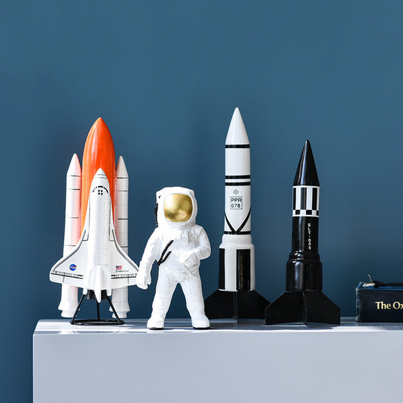 Resin Space Man Astronaut Sculptures Rocket Espace Figurine Handmade Home Decoration Accessories Modern