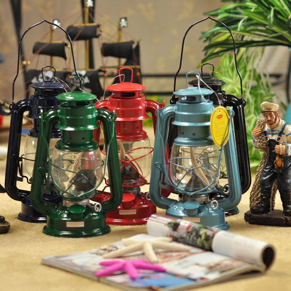 1Pcs Zakka Iron Candlestick Candle Holder Kerosene alcohol lamps Portable lantern Novelty Lighting Holiday gift Home decoration