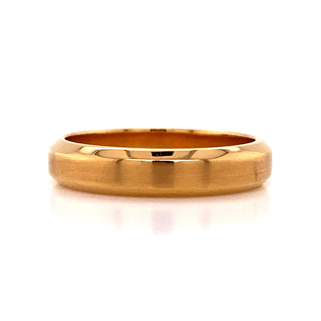 Gents 18kr Bevel Edge Matte Top Ring