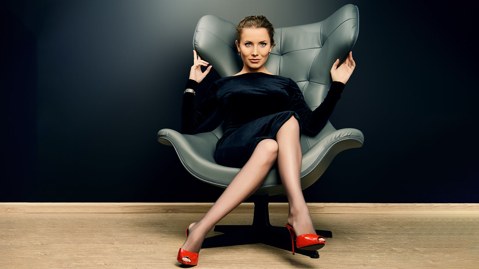 How to Choose Hosiery for the Office