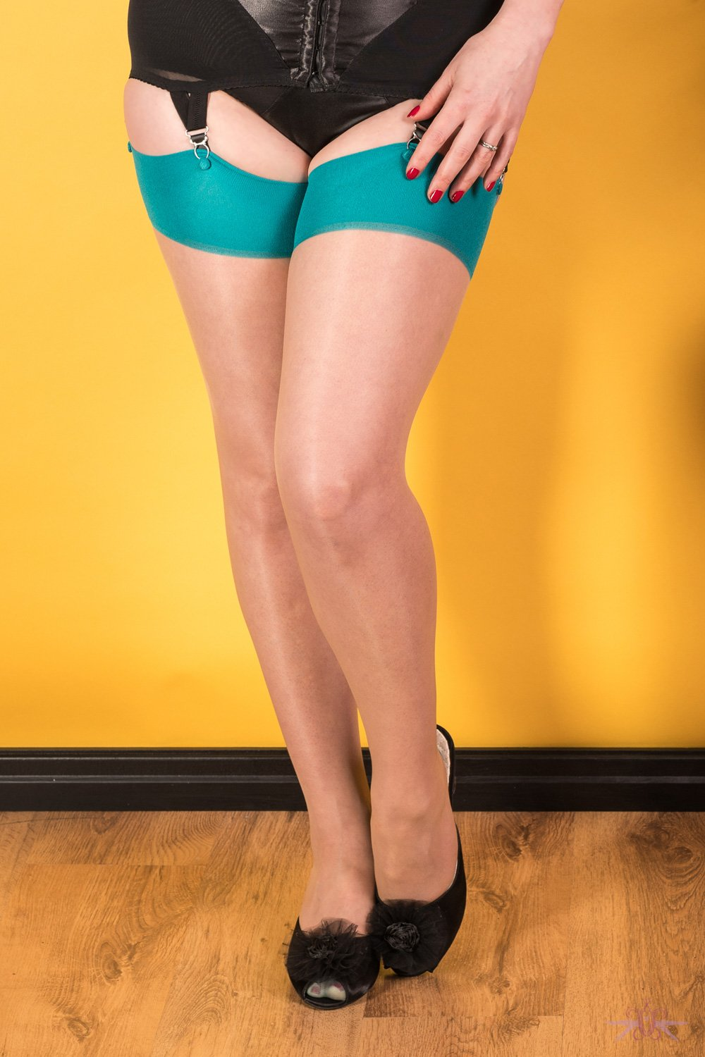 What Katie Did Contrast Nude/Teal Seamed Stockings - The Hosiery Box