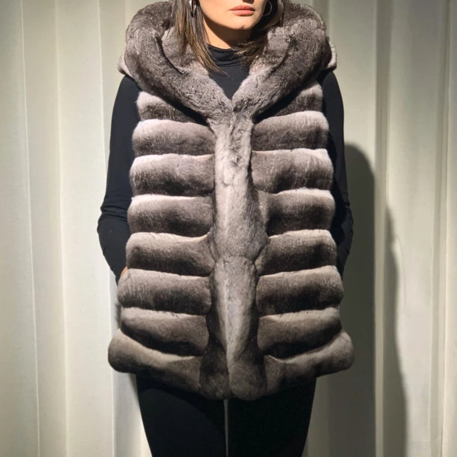 LOTS OF POWDER_Superbe_Chinchilla Vest with Cap in Grey