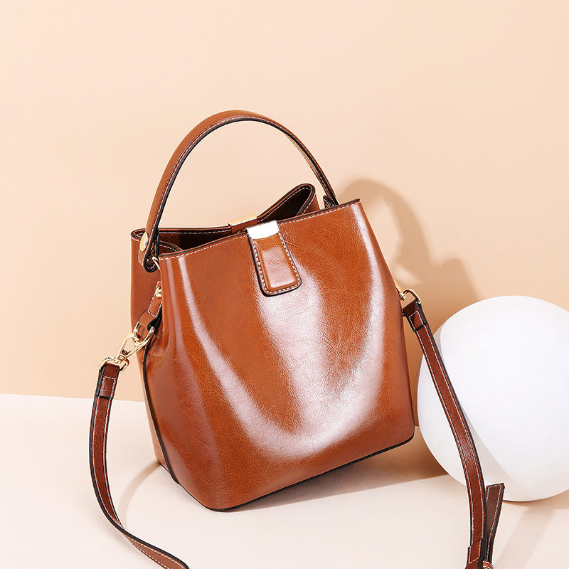 Oil Wax Portable Bucket Leather Bag
