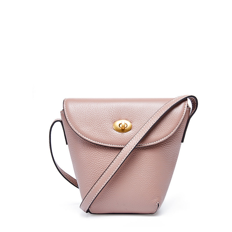 Wild First Layer Leather Bucket Bag