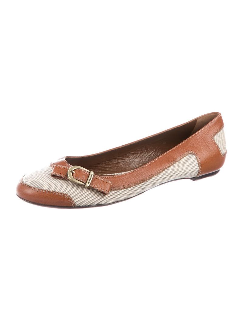 Burberry Leather Round-Toe Logo Flats