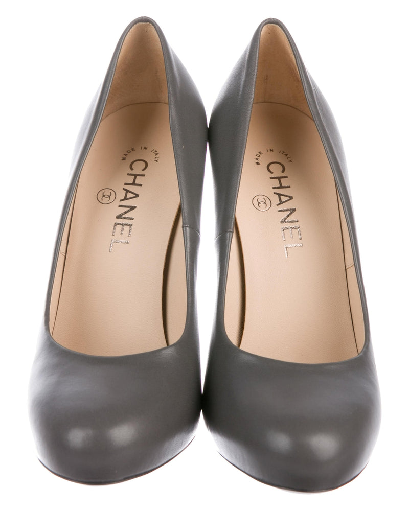 Chanel Grey Leather Logo Pumps