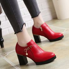 Load image into Gallery viewer, women leather shoes