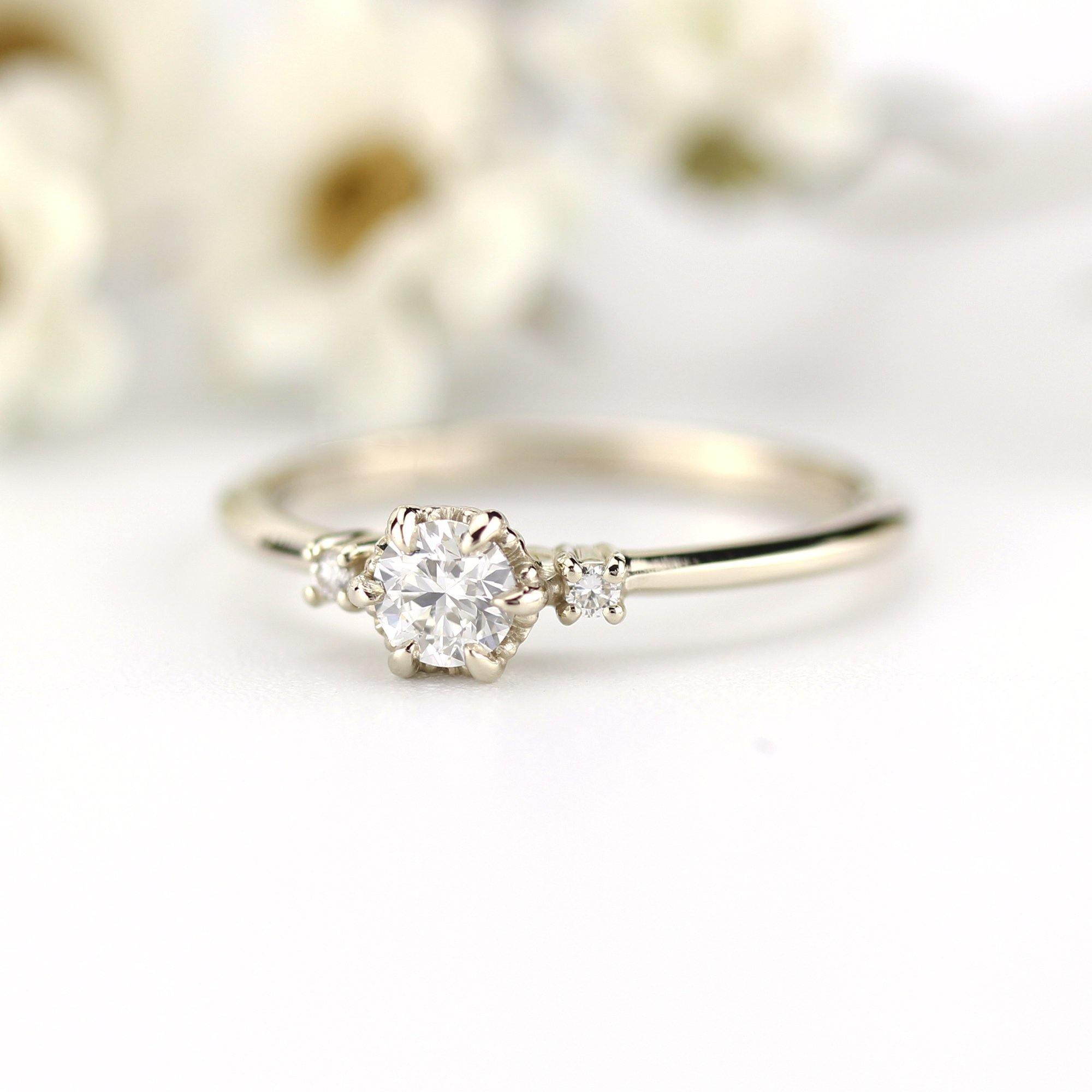 Three Stone Engagement Ring Round Simple 18k White Gold Ring R252n Nooi Jewelry
