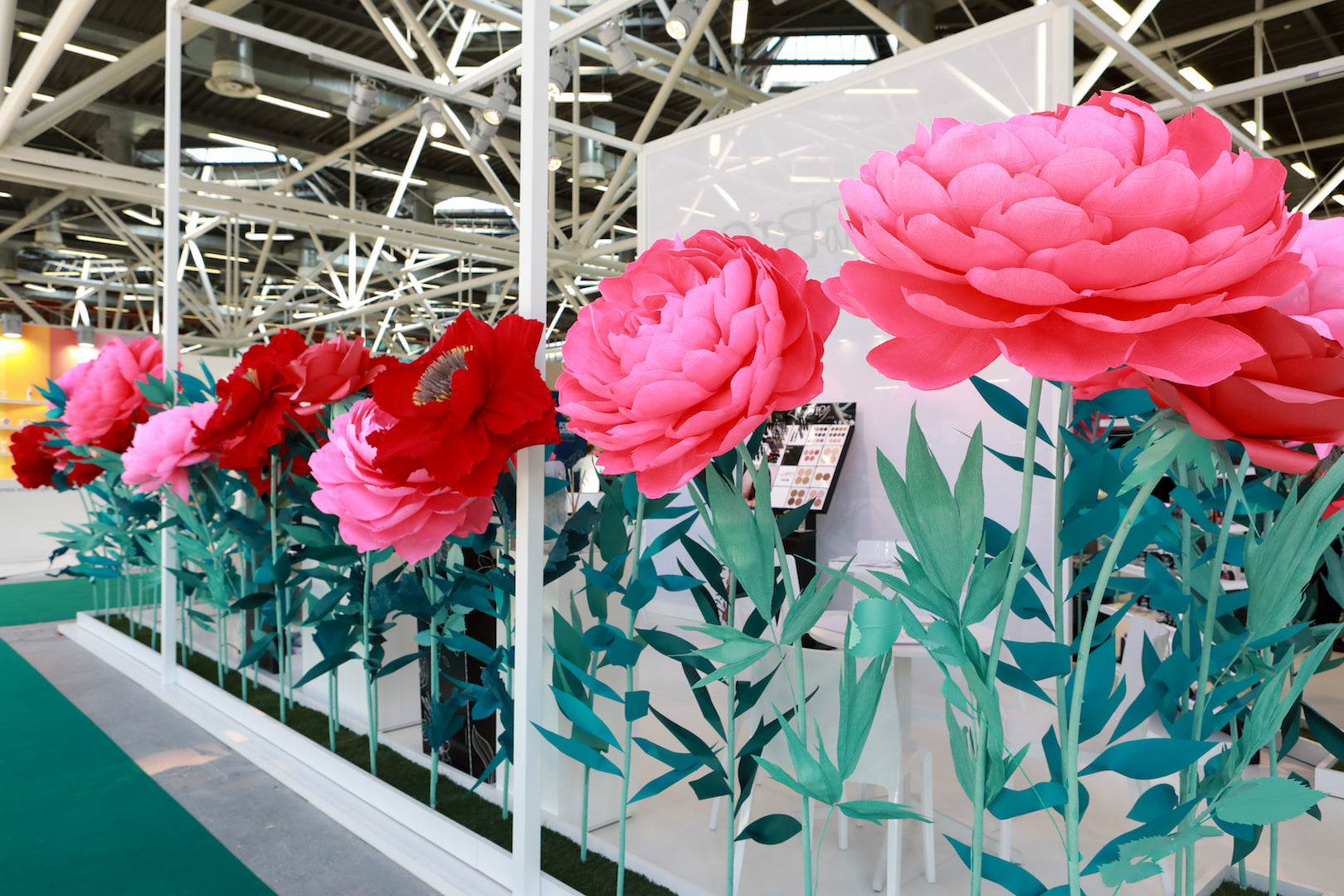Standing Paper Flowers exhibition stand