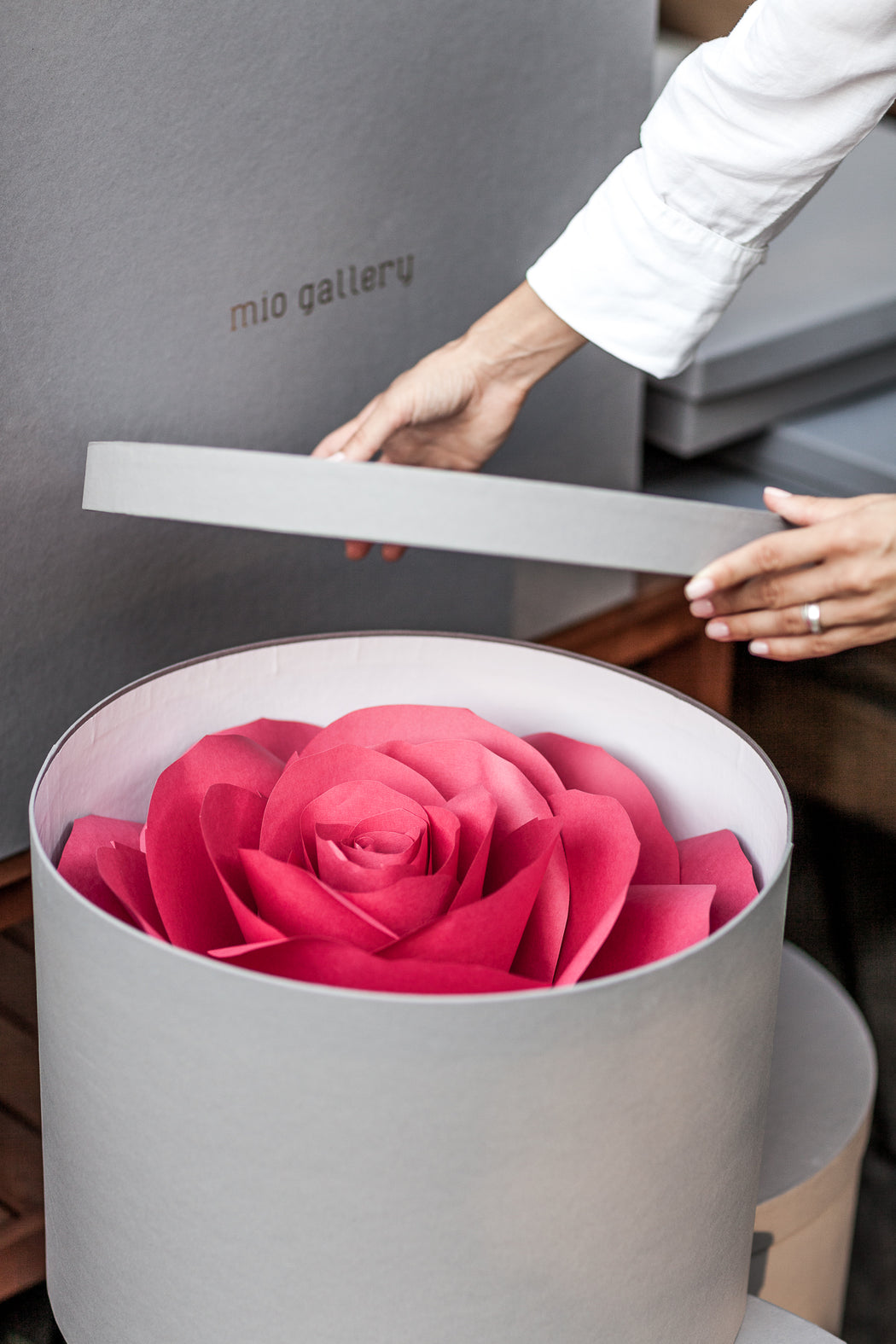 Paper Flower Props for Love Story • Giant Paper Flower - Mio Gallery