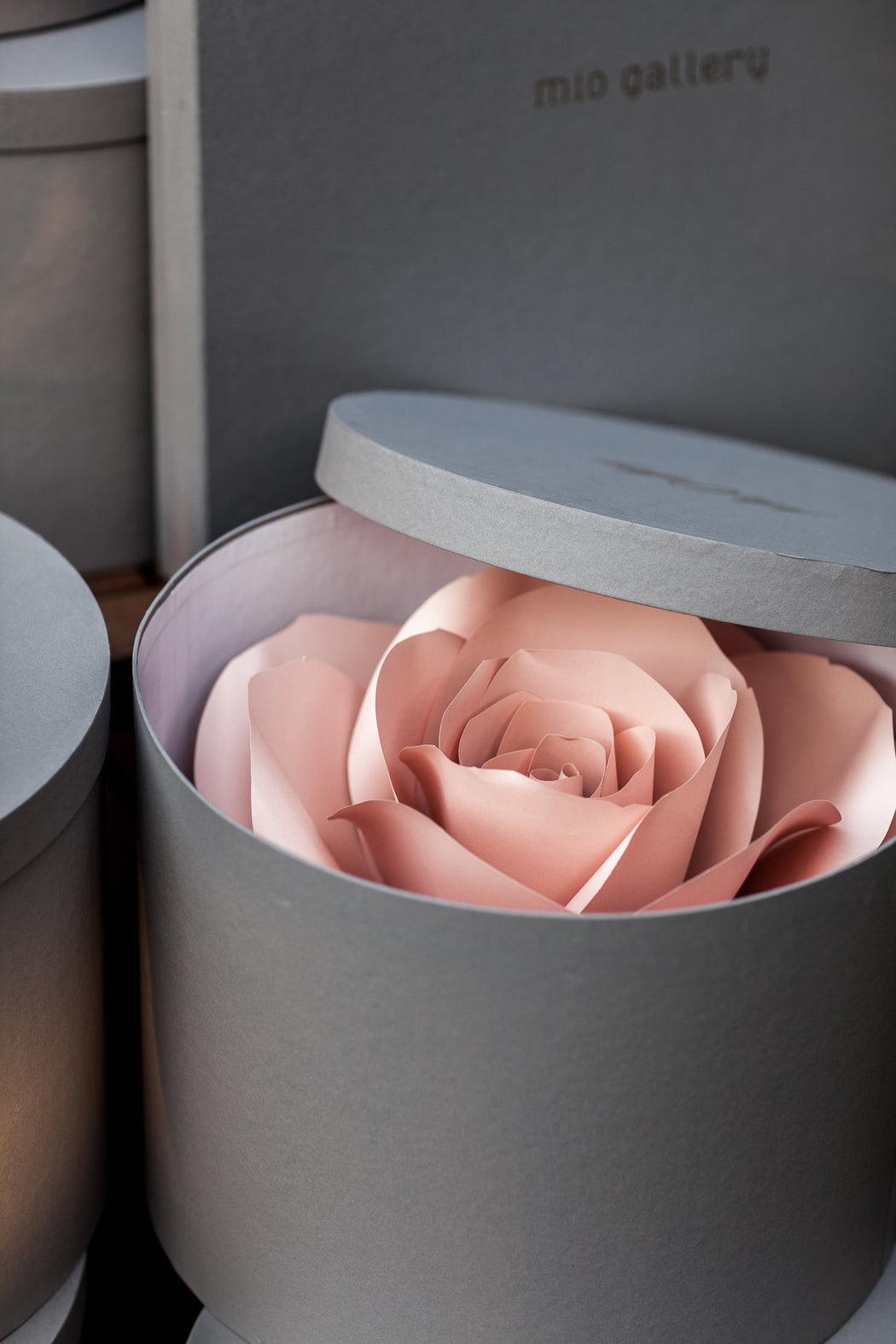 Dusty Rose Paper Flower • Bridesmaids Bouquet - Mio Gallery