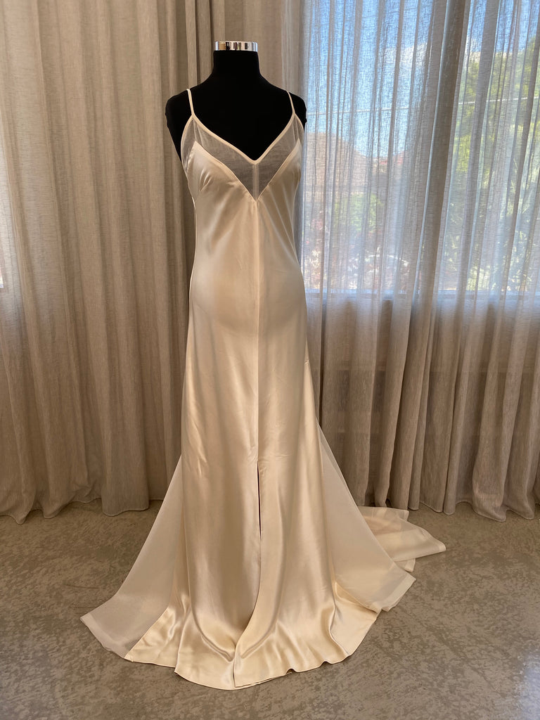 Custom TATE Gown UK14/US10 - DEC2020 Stocktake
