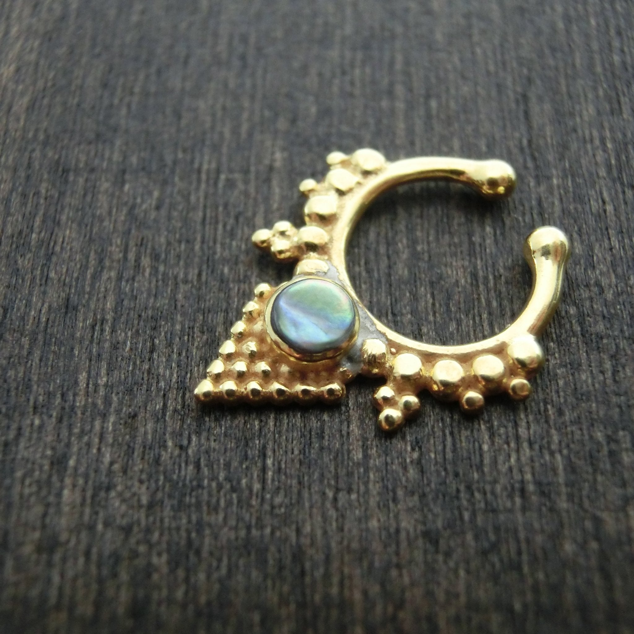 Pyramid Fake Septum Abalone Shell