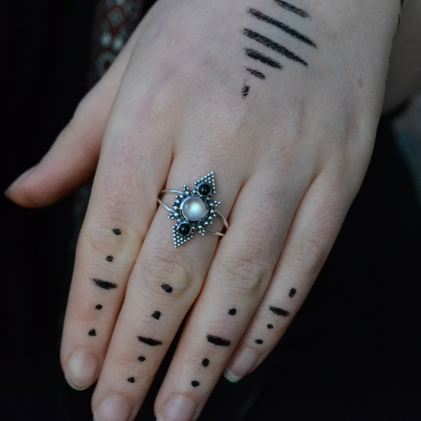 Moonstone & Black Onyx Ring ⎜PYRAMID