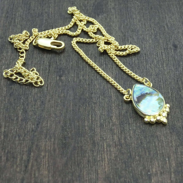 drop shape necklace abalone shell details