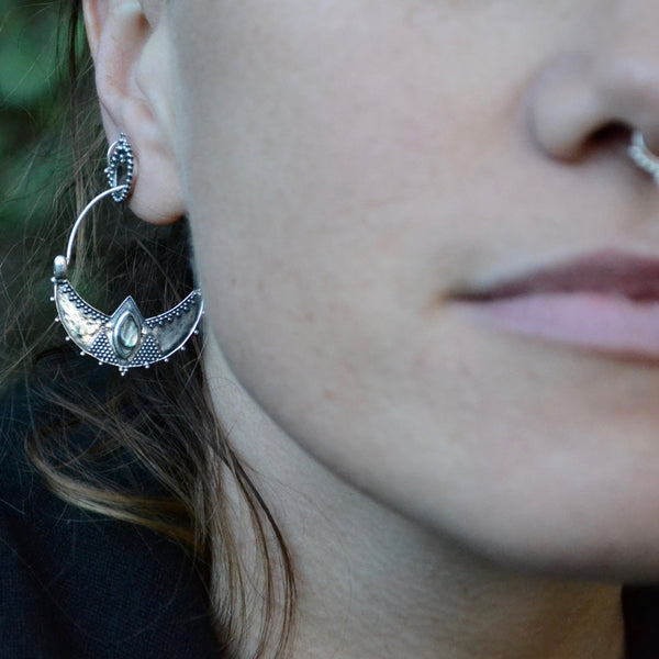 Moonstone Earrings⎜CRESCENT