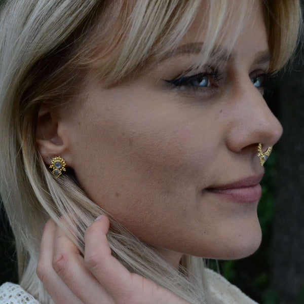 Moonstone Stud Earrings⎜PYRAMID