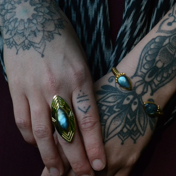 Labradorite Shield Ring⎜Tribal Shield