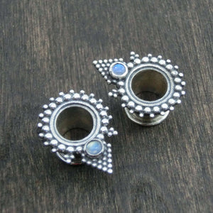 sterling silver tunnels moonstone