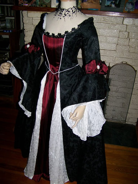 Gothic Renaissance Pirate Dress Cosplay Costume