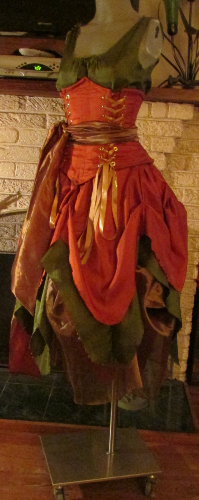 Renaissance Fairy Gown Dress Wench Womens Costume