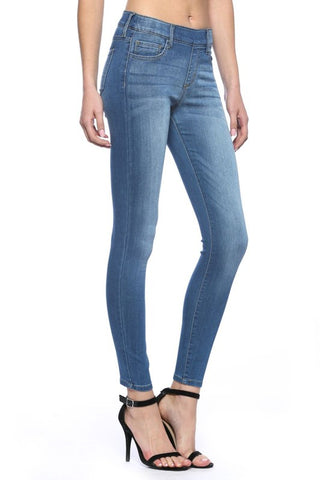 Skylar Pull On Skinnies - Medium Wash