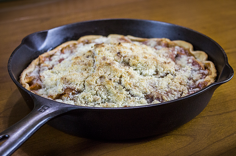 Grandma's Apple Crumb Pie in a Cast Iron Skillet