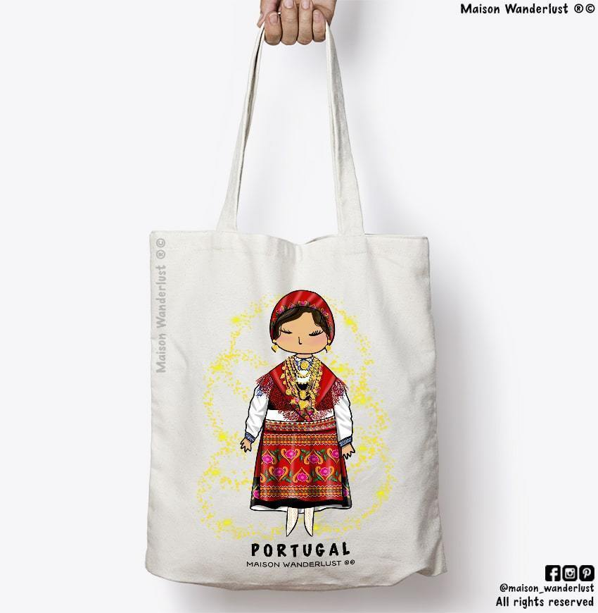 tote-bag-maison-wanderlust-traditional-outfit-traditional-outfit-box-gift-original-gift-box-europe-south-portugal-minho-brunette