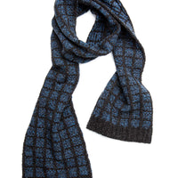 Bybee Scarf in 2 colors | Designed by Gudrun Johnston | Brooklyn Tweed