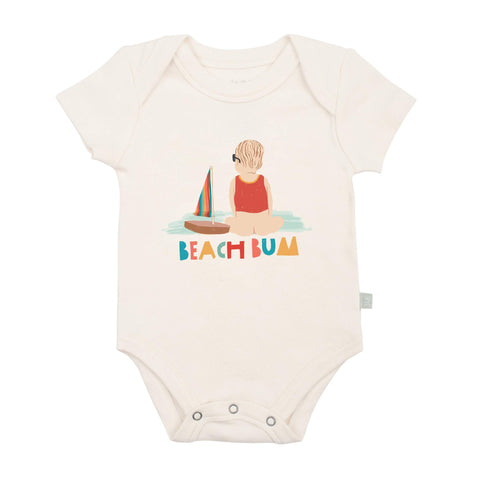 FINN + EMMA BABY GRAPHIC BODYSUIT beach bum