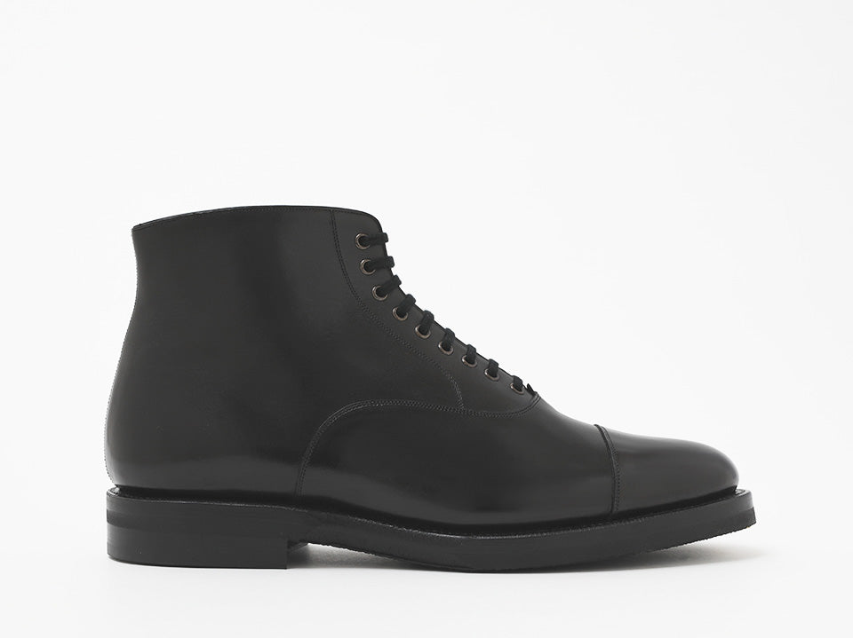 10.A1384 OXFORD BOOTS